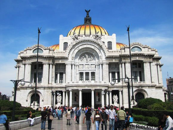 Fine Arts Palace (Palacio de Bellas Artes)