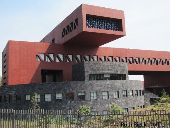 Modern Architecture At Unam Mexico City Mexico Tanama Tales