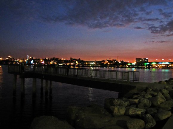 pier at dusk, pier at sunset, fishing pier, pier in long beach