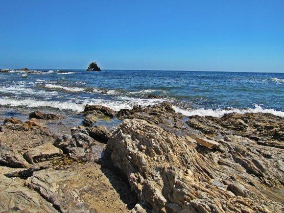 Arch Rock in the distance, Little Corona del Mar, Newport Beach, California