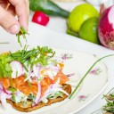 Tips for Eating Healthy While Travelling