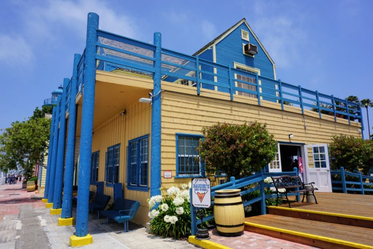 Things to do in Matina del Rey, Colorful building at Fisherman's Village in Marina del Rey, California