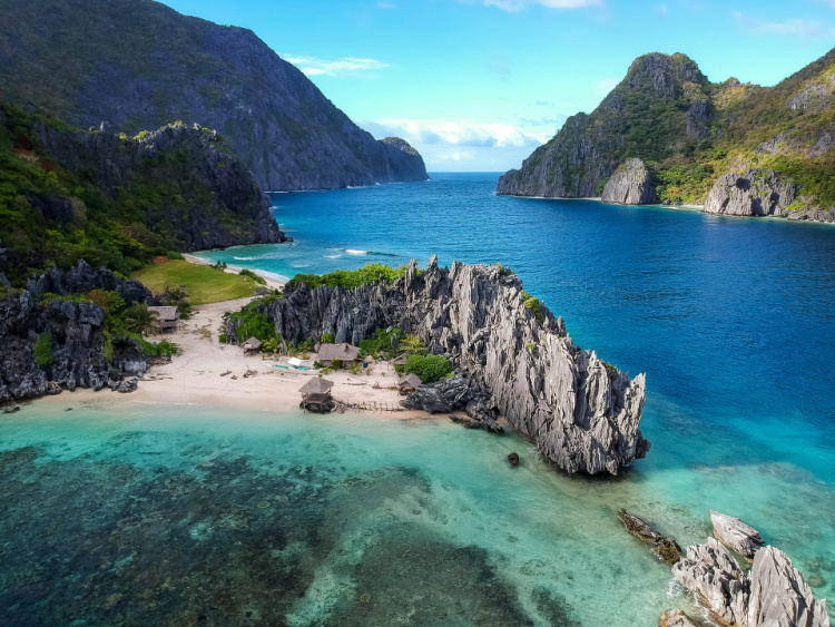 Philippines, Travel has changed their lives