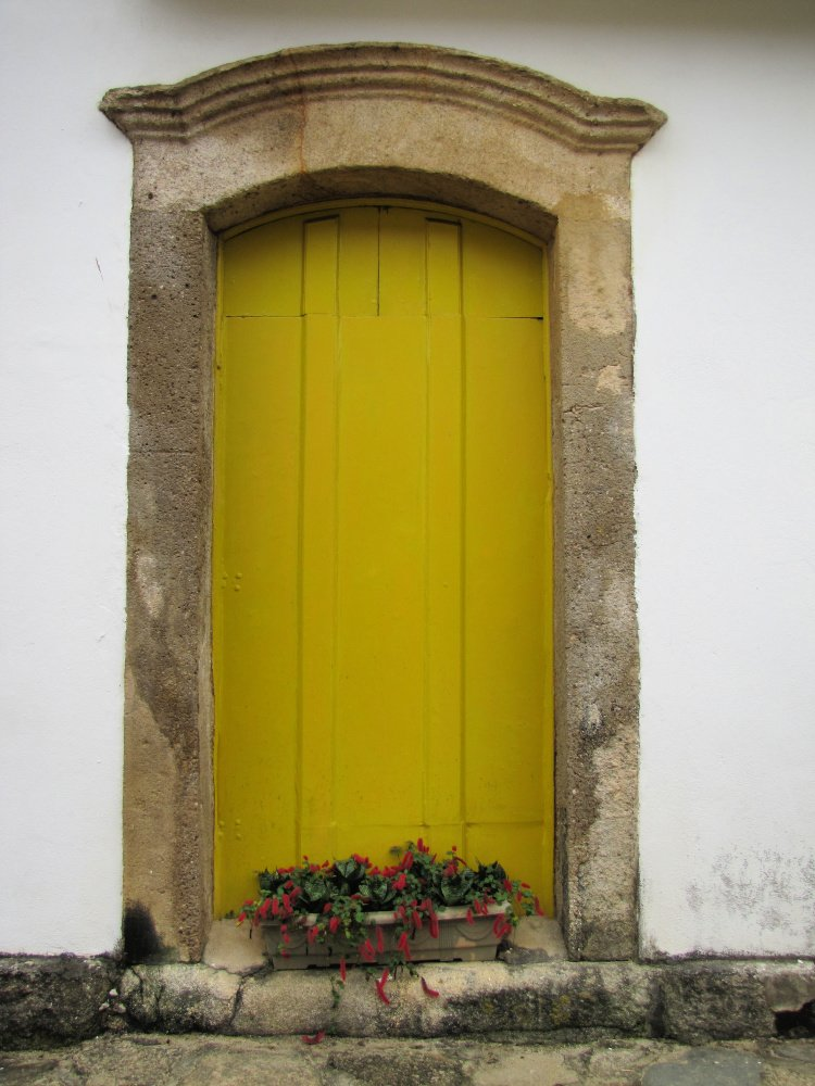 Yellow door in Paraty, Rio de Janeiro (Brazil)