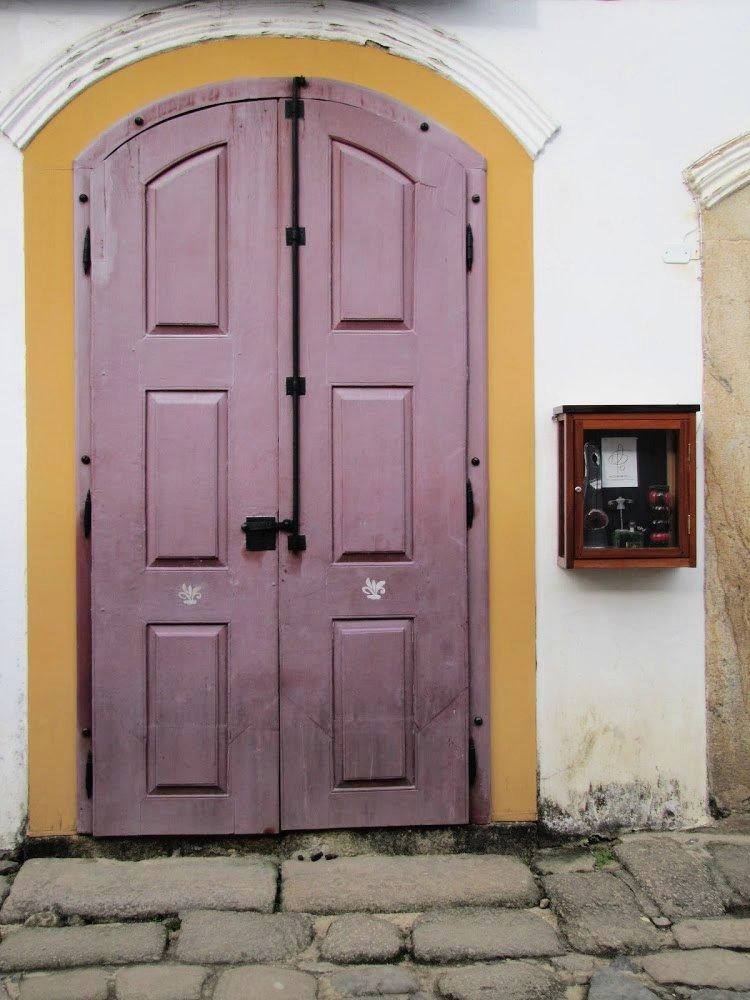 Pink door in Paraty, Rio de Janeiro (Brazil)