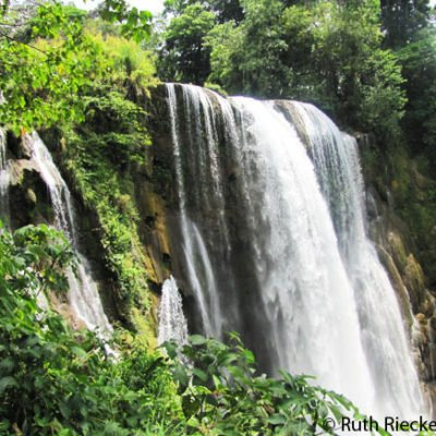 Pulhapanzak: Honduras Massive Waterfall