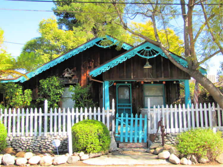 Cottage at Los Rios