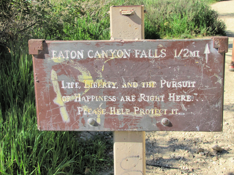 Sign pointing to Eaton Canyon Falls