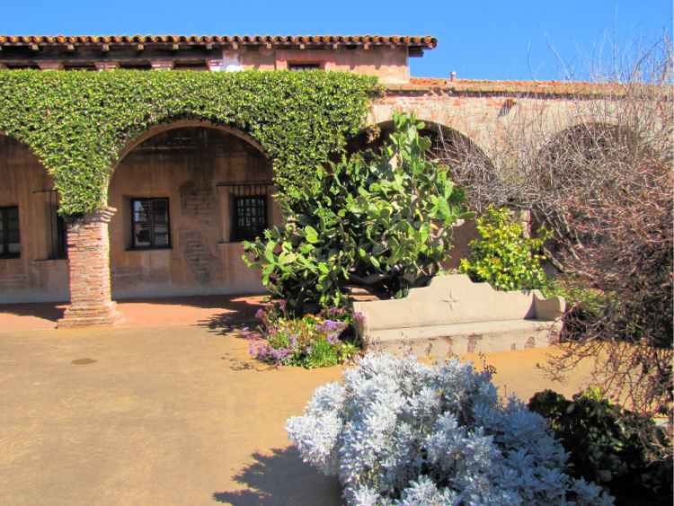 Mission arches and landscaping
