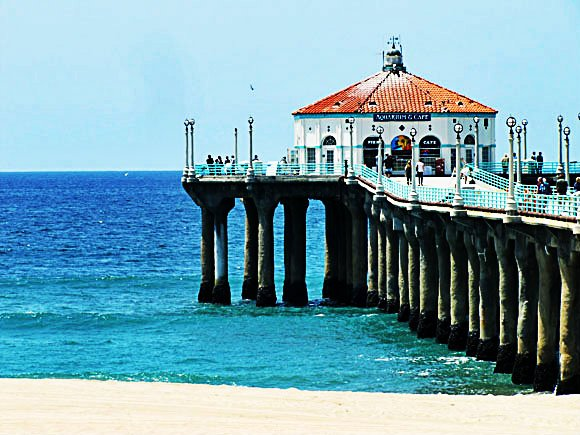 Manhattan Beach Pier, California