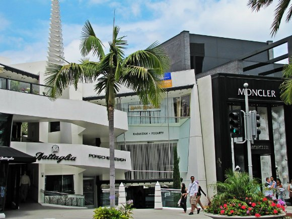 Anderton Court Shops, building designed by Frank Lloyd Wright, Rodeo Drive, High end stores, Beverly Hills, California
