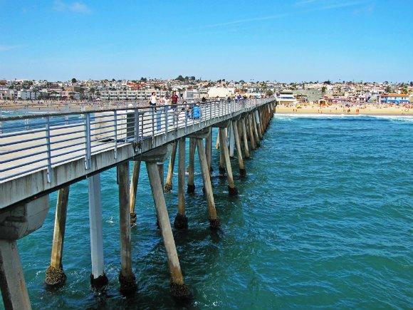 cconcrete pier, hermosa beach, pier pillars