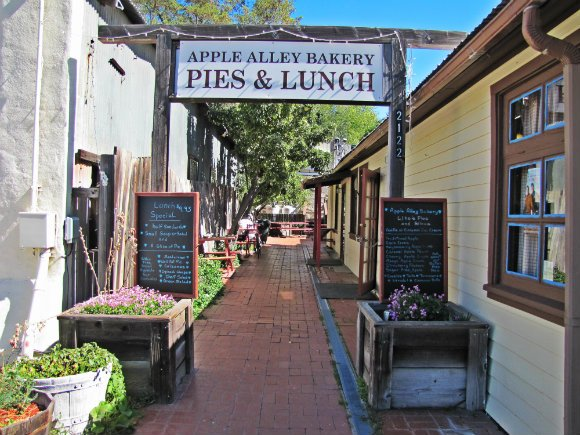 Apple Alley Bakery, Julian, California