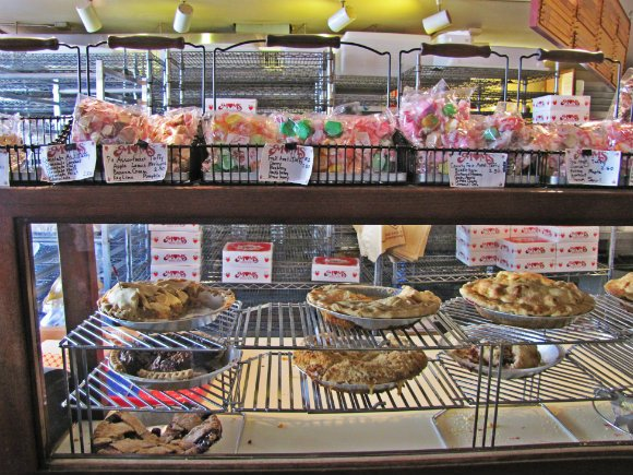 Mom's Pies, Julian, California