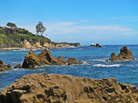 Arch Rock in the distance, Little Corona del Mar, Newport Beach, California