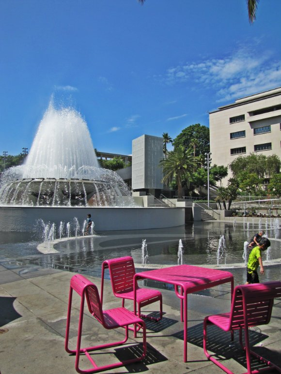 Fountain in Grad Park, Los Angeles, California