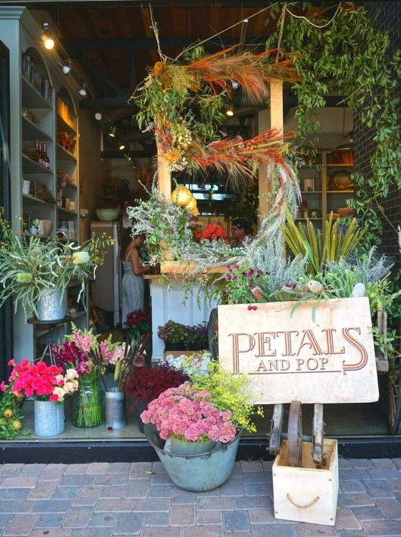 Petals and Pop flower boutique in Seal Beach, California, Orange COunty