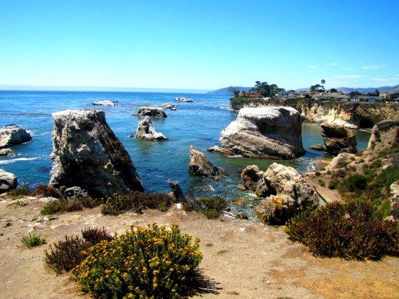 Views from Dinosaur Caves Park in Shell Beach, Pismo Beach, California