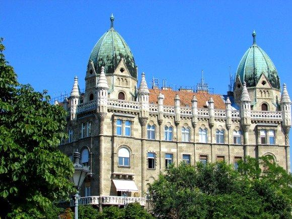 Liberty Square, Yellow Zebra Bike Tours, Budapest