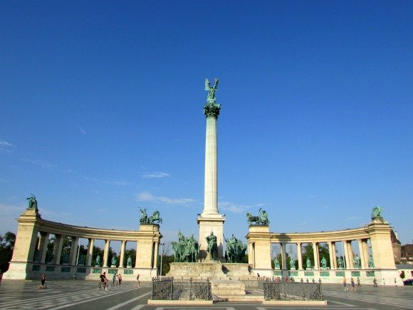 Heroes Square, Yellow Zebra Bike Tours, Budapest