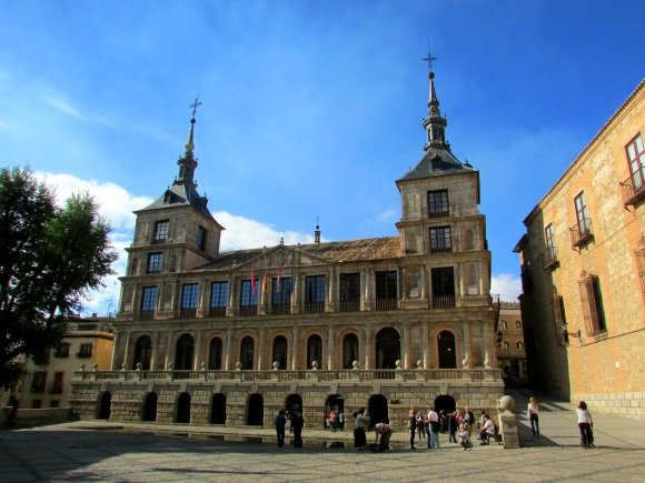 A perfect day in Toledo, Spain: A Travel Itinerary