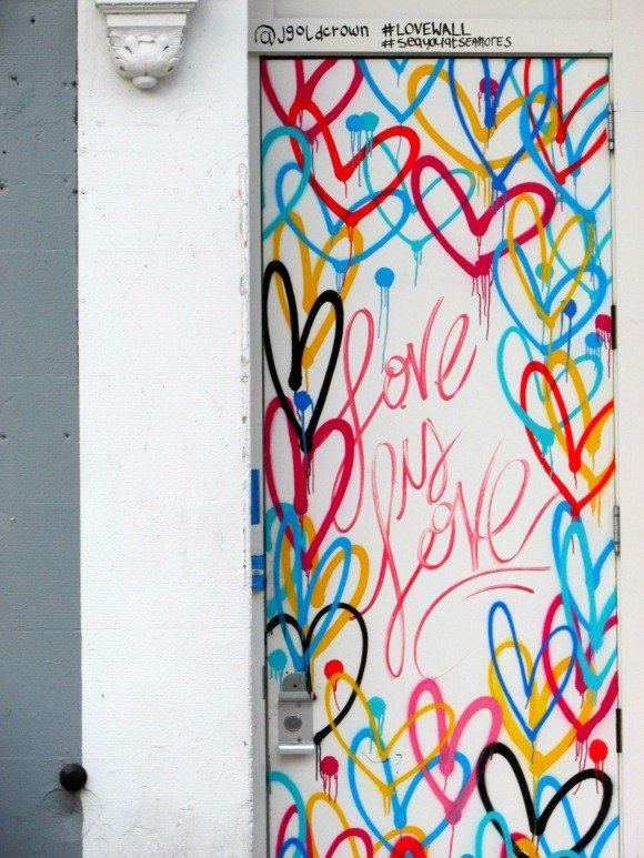 Where to find street art in Manhattan,Little Italy, NYC