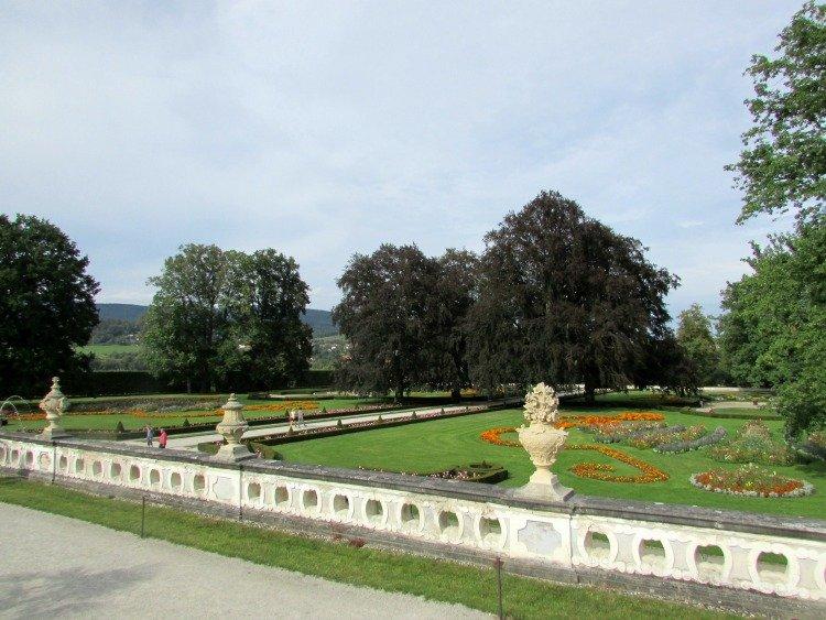 Cesky Krumlov Castle Garden