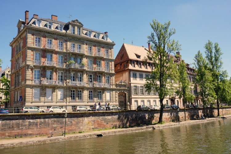 Strasbourg, Walking along canal