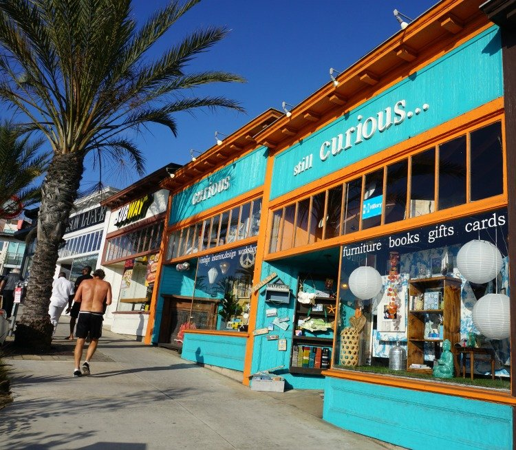 Pier Avenue, Hermosa Beach, Curious store located in Hermosa Beach