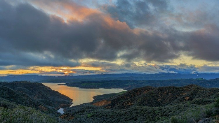 Castaic Lake in Los Angeles COuntry
