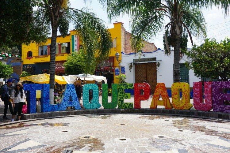 Tlaquepaque Giant Letters, Tlaquepaque, Jalisco