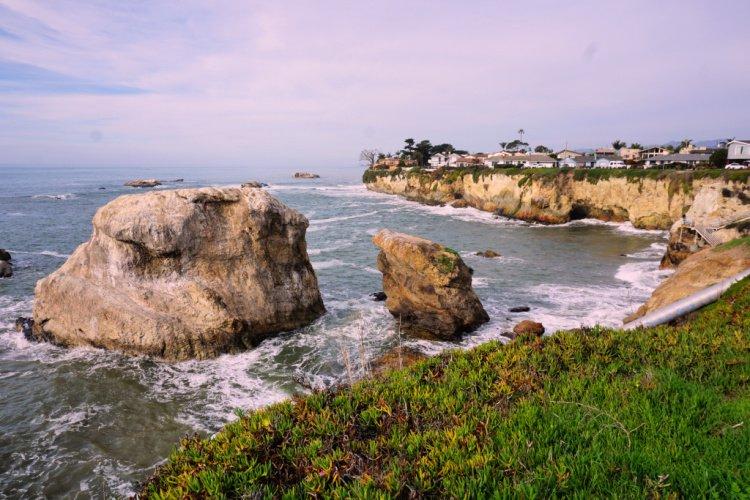 Rocks and cliffss at Shell Beach, Pismo Beach, California
