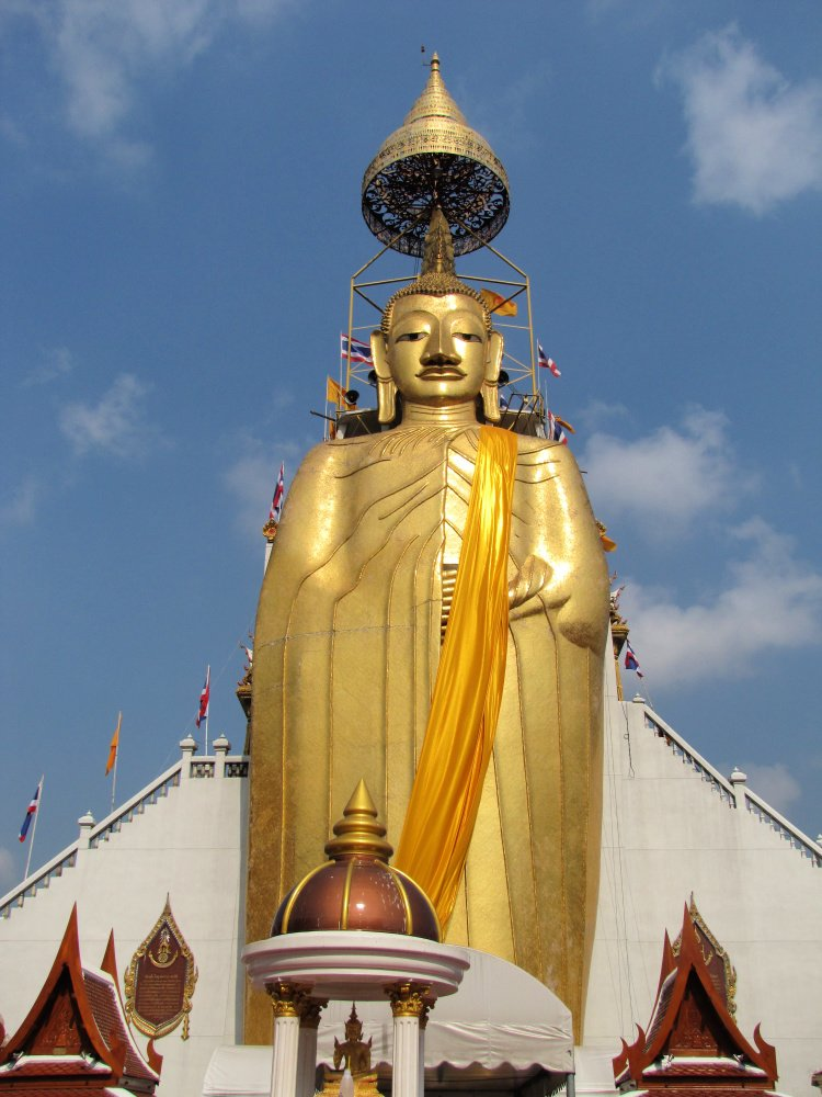 Giant Buddha statue at Wat Intara Wihan, Bangkok, Thailand