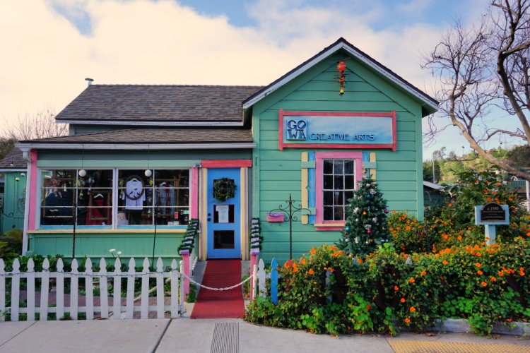 Green cottage in Cambria Village, Cambria, California, What to do in Cambria