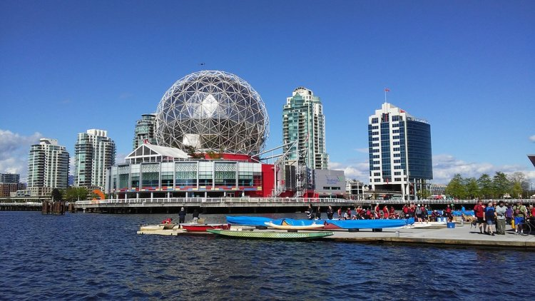 Kayaking and Boating in Vancouver, Canada
