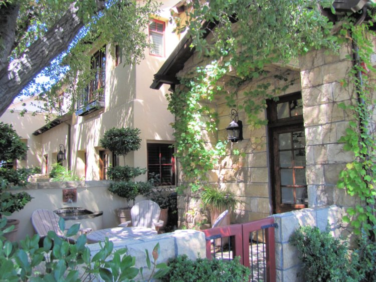 Hotel and Restaurant in Paso Robles, California
