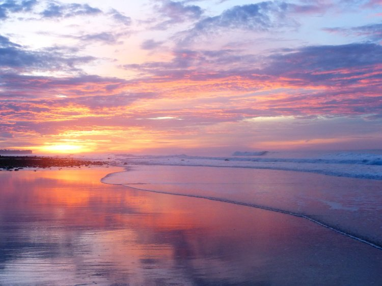 Best Beaches in El Salvador, Cent, El Tunco El Salvadorral America, El Tunco Beach