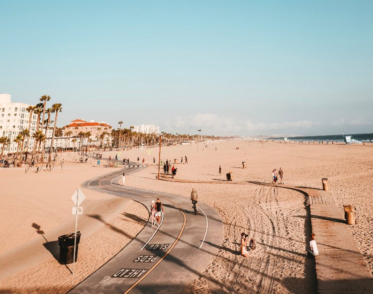 Los Angeles Beaches, Best Beaches in Los Angeles, California, Boardwalk between Santa Monica and Venice Beach