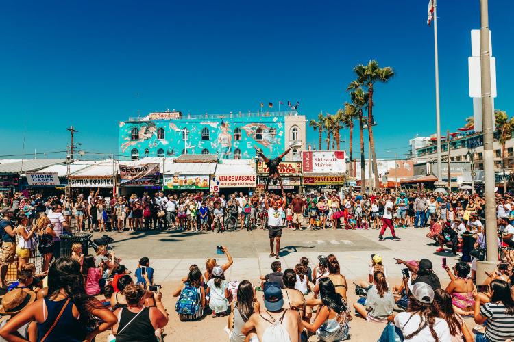 Live show in Venice Beach Boardwalk, Best Beaches Near LAX Airport