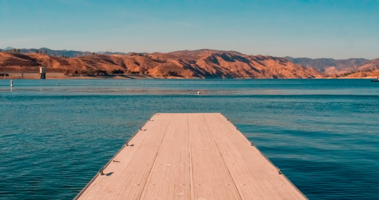 Lakes in Southern California, Castaic Lake in Los Angeles